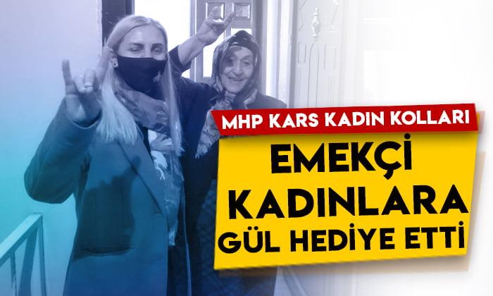 MHP Kars Kadın Kolları, emekçi kadınlara gül hediye etti