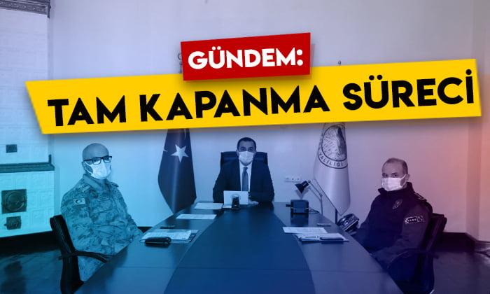 Kars Valisi Türker Öksüz, 'Tam Kapanma Süreci Planlama ve Koordinasyon Toplantısı'na katıldı
